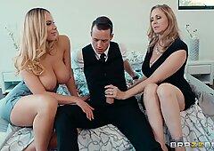 Kinky threesome with Julia Ann